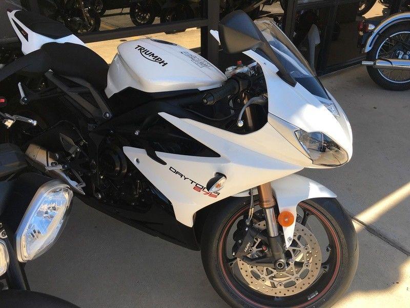GREAT 2016 Triumph Daytona