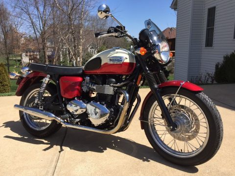 GREAT 2012 Triumph Bonneville for sale